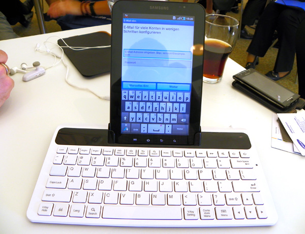 Docking Station with chiclet keyboard for Samsung Galaxy Tab