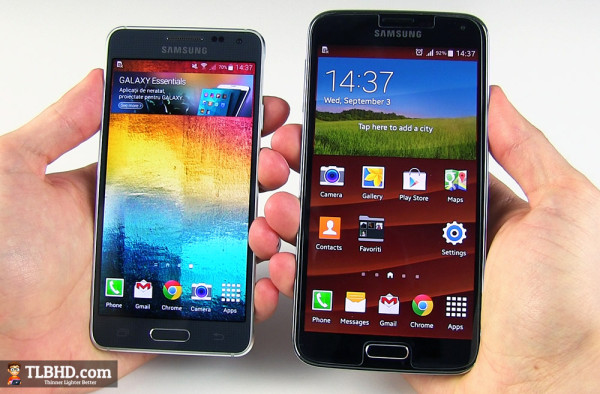 The Samsung Galaxy Alpha (left) next to the Galaxy S5 (right)
