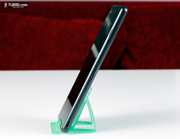 The Xperia Z3 is still a glass and metal sandwich, but is not sleeker and lighter than before